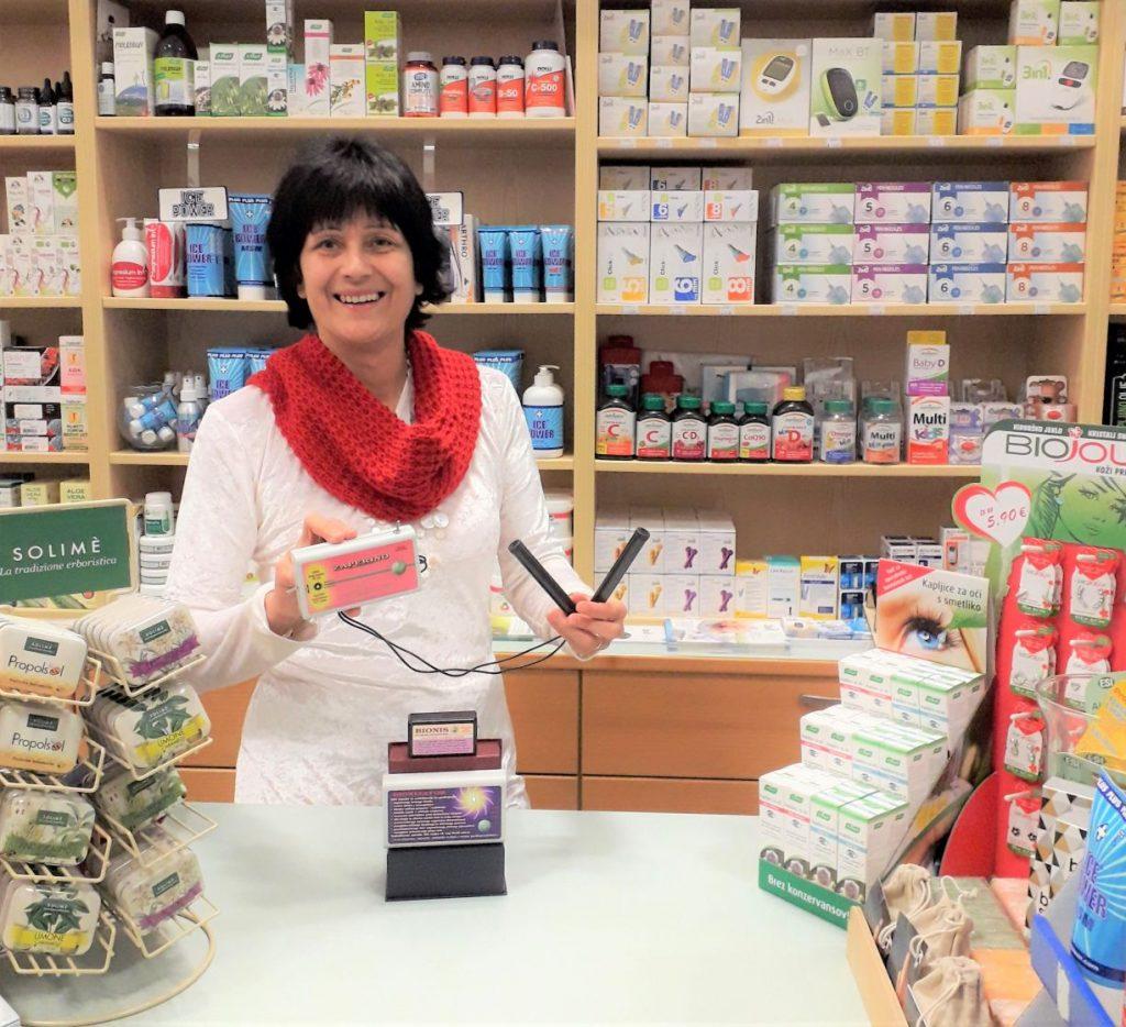 Nerina Darman v Medika Maribor medicinski trgovini